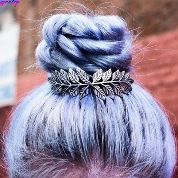Accessories - * Sophia* Silver Leaf Hair Clip